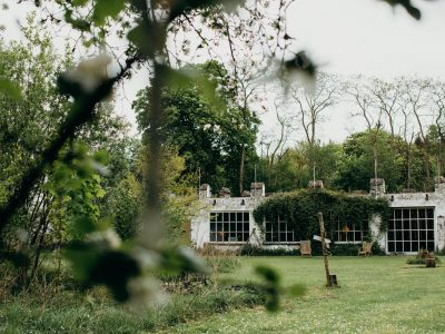 Tombeek Plage | boho wedding venue near Brussels