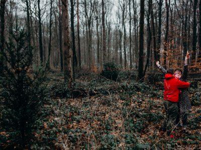 Creatief huwelijksaanzoek in het bos | De gelukzakken